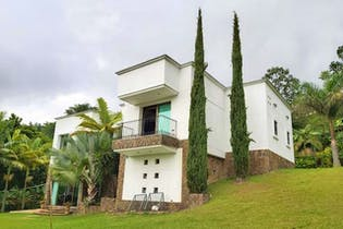 Mirador Del Poblado, Casa en venta en Altos Del Poblado de 5 hab.