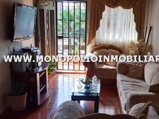 Una sala de estar llena de muebles y una ventana en Casa en venta en Velódromo, de 165mtrs2