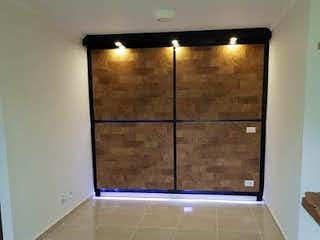 Un cuarto de baño con una puerta de ducha de cristal en Apartamento en venta en Perez  de 3 habitaciones
