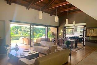Valladolid, Casa en venta en Alto Del Escobero (Envigado) de 348m²