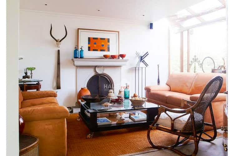 Portada Vendo Casa Conjunto Cerrado en Provenza, con terraza y jardín privado.