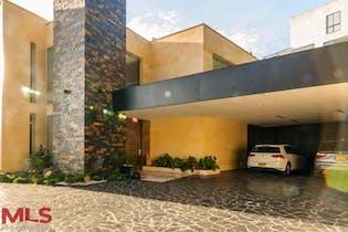Casa en Las Palmas, Poblado, 4 Habitacione- 738m2.