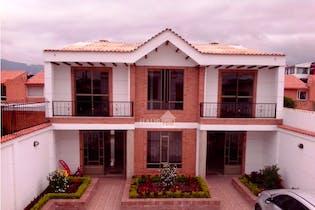Casa en venta en Casco Urbano Cajicá con Balcón...
