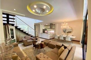 Casa en venta en Envigado de 324m² con Piscina...