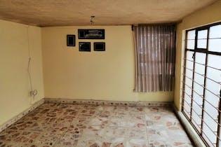 Casa en venta en  Ciudad Azteca Sección Oriente de 4 recámaras