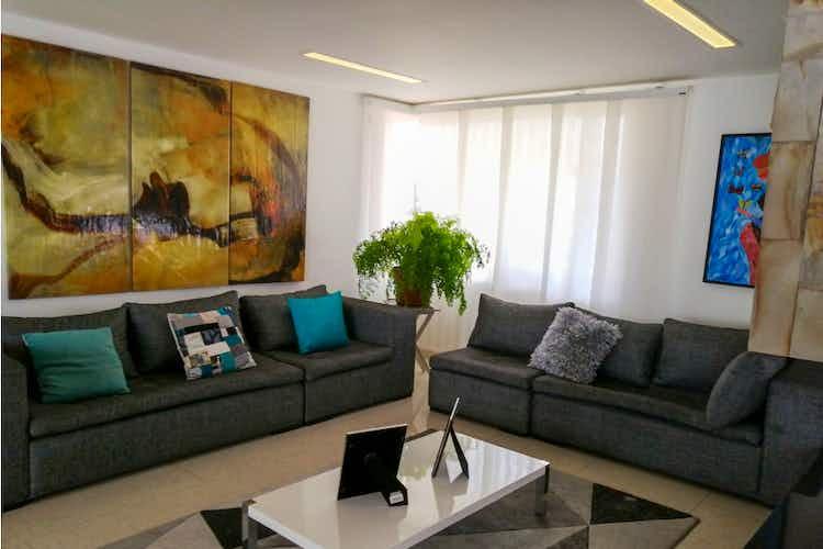 Portada Casa en venta en Cedritos de 3 habitaciones