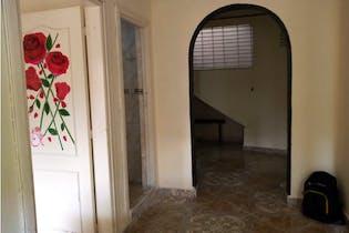 Apartamento en venta en Barrio Aranjuez de 2 hab.