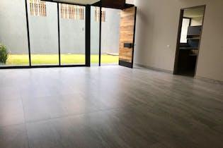 Casa en venta en Lomas Quebradas, 353mt