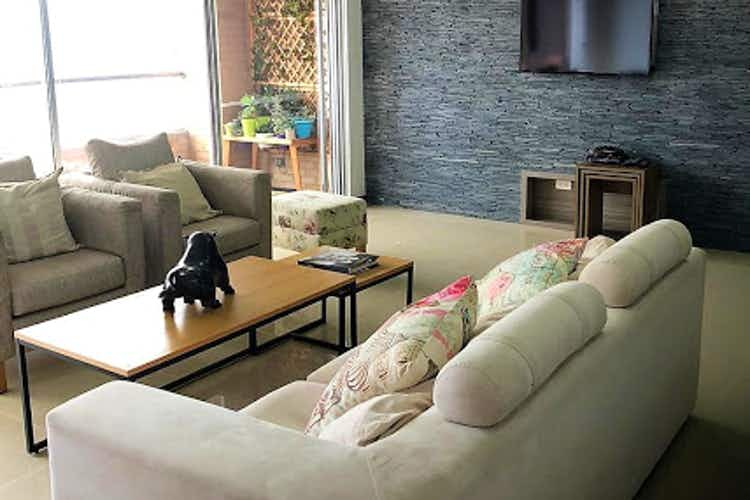 Portada Apartamento en venta en Tesoro, 120mt con balcon