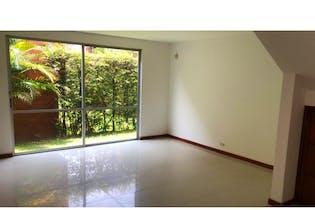 Casa en venta en Loma de Benedictinos, 211mt de dos niveles