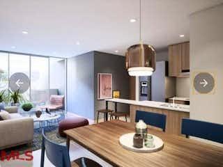 Una sala de estar llena de muebles y una mesa en Fiori Vita