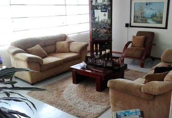 Casa en venta en Barrio Niza de 416m²