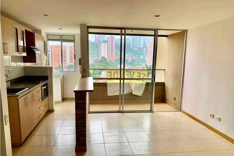 Portada Apartamento en venta en  Loma de San José de 3 habitaciones