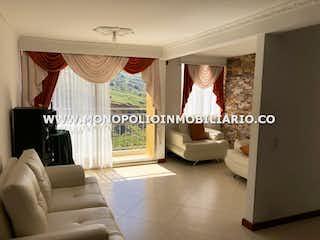 Una sala de estar llena de muebles y una ventana en VILLAS DEL SOL 1403