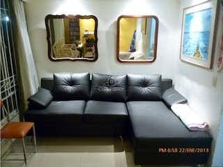 Una sala de estar llena de muebles y una ventana en Casa en venta en Nueva Zelandia, de 105mtrs2