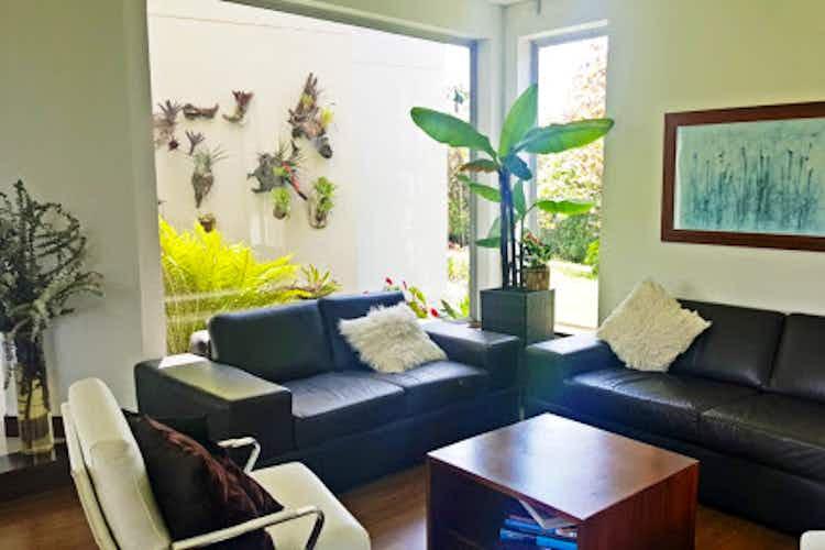 Portada Casa en venta en Llano Grande de 4 habitaciones