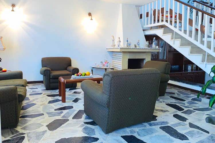 Portada Casa en venta en Pasadena de 4 habitaciones