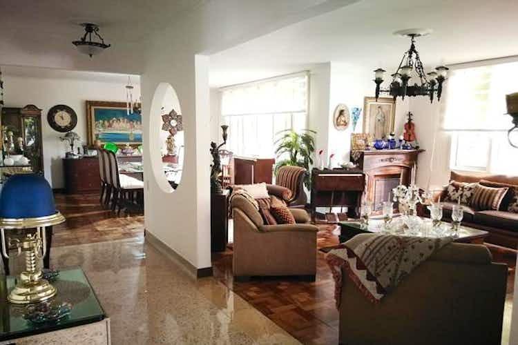 Portada Apartamento en venta en Laureles, 218mt con balcon