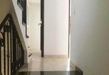 Casa en venta en Poblado de 3 hab.