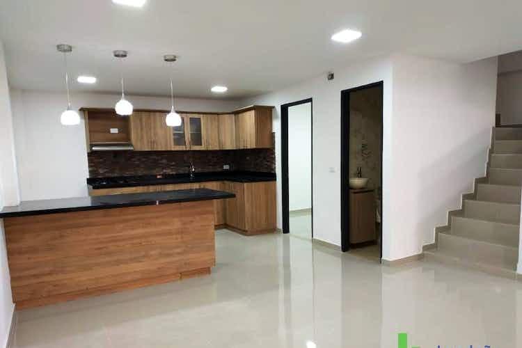 Portada Casa en venta en Centro, 190mt de tres niveles