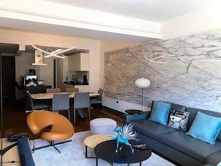 Una sala de estar llena de muebles y una televisión de pantalla plana en Departamento en venta en Actipan, 136mt