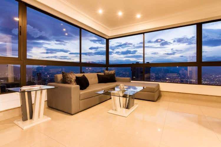 Portada Apartamento en venta en Los Balsos de 4 habitaciones