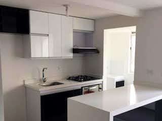 Una cocina con lavabo y microondas en Apartamento en venta en San Germán, de 50mtrs2