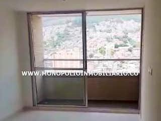 Una imagen de una ventana en una habitación en GALES