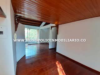 Una imagen de una sala de estar con suelos de madera en CIUDADELA DE SAN DIEGO 401