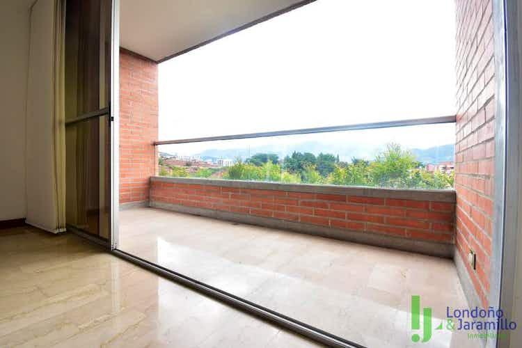 Portada Apartamento en venta en Loma de Benedictinos de  3 habitaciones