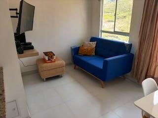 Una sala de estar llena de muebles y una ventana en Apartamento en venta en Calazans de 3 habitaciones
