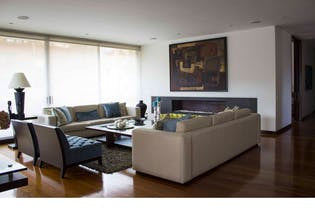 Apartamento en la Cabrera con terraza, ascensor personal, cuatro habitaciones c/u con vestier