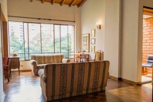 Apartamento en venta en La Aguacatala con acceso a Jardín