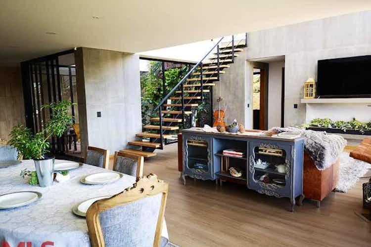 Portada Casa en venta en Alto de Las Palmas Indiana, 1560mt de dos niveles
