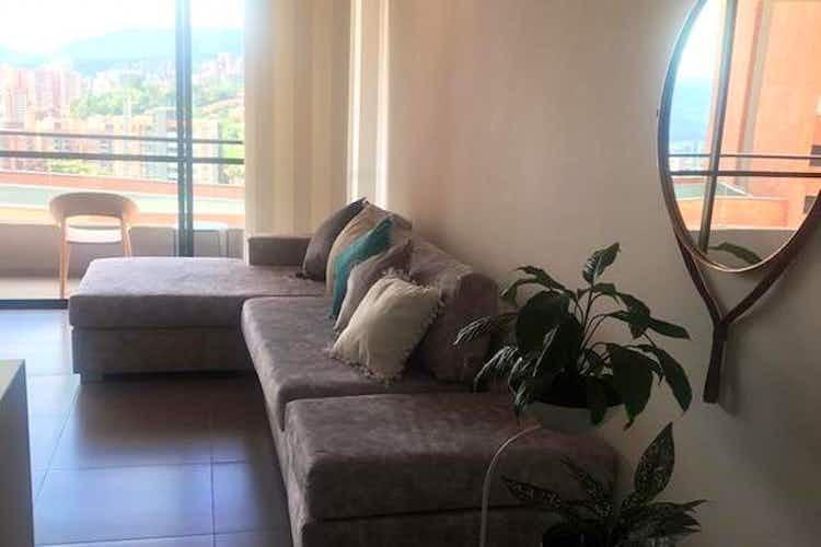 Portada Apartamento en venta en Loma del Escobero, 84mt con balcon