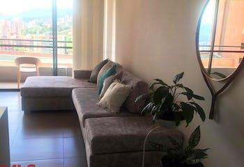 Apartamento en venta en Loma del Escobero, 84mt con balcon
