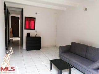 Altos De La Macarena, casa en venta en Pajarito, Medellín