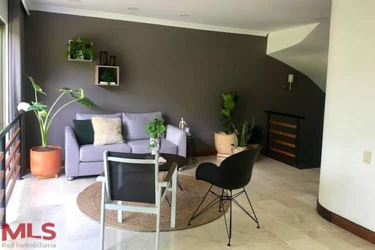 Portada Casa en venta en El Esmeraldal, 340mt de tres niveles