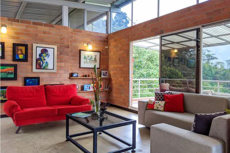 Portada Casa en venta en San Miguel de  4 habitaciones