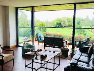 Una sala de estar llena de muebles y una ventana en Apartamento en venta en Tres Puertas de  1 habitacion
