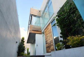 Casa en venta en Lomas Anáhuac de 650mts, dos niveles