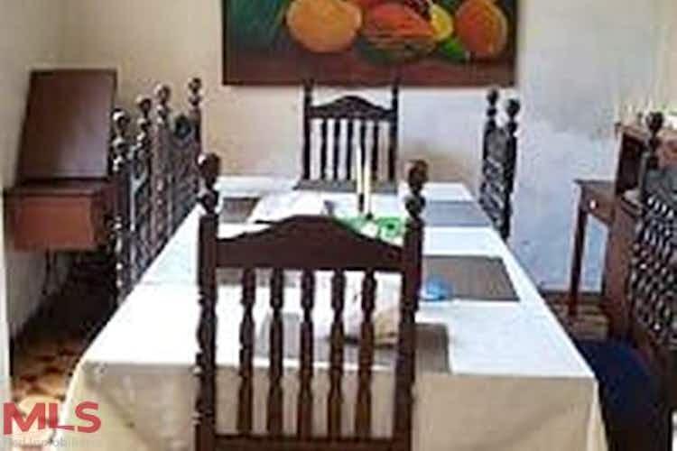 Portada Casa en venta en El Chagualo de  4 habitaciones