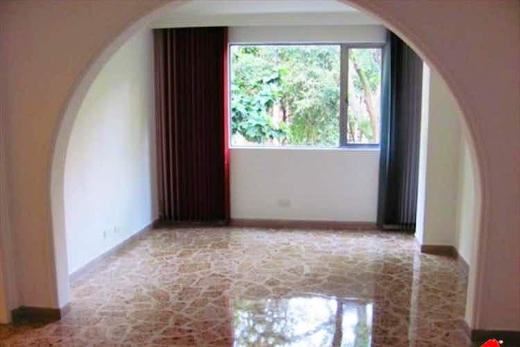 Portada Apartamento en venta en Conquitadores, 195mt con balcon