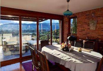 Casa en venta en Yerbabuena de 5 hab. con Piscina...