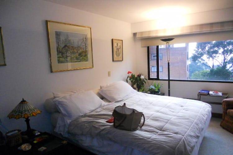 Foto 11 de Apartamento En Bogotá- Rosales, con chimenea y vista al bosque
