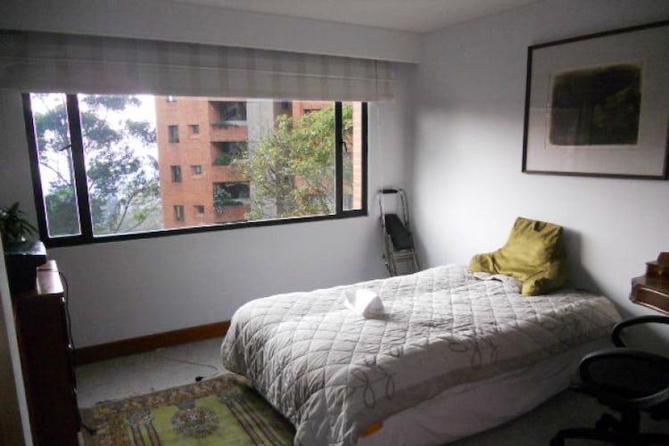 Foto 12 de Apartamento En Bogotá- Rosales, con chimenea y vista al bosque