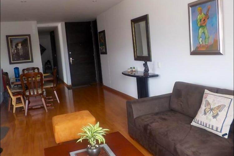 Foto 2 de Apartamento en Bogota Santa Barbara Central - con dos alcobas c/u con baño