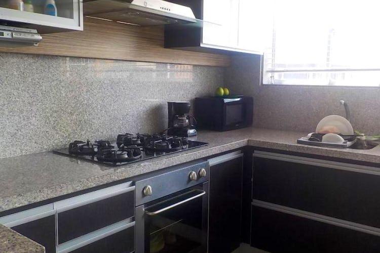 Foto 11 de Apartamento en Bogota Santa Barbara Central - con dos alcobas c/u con baño