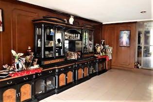 Casa en venta en Lomas Anahuac de cuatro recamaras