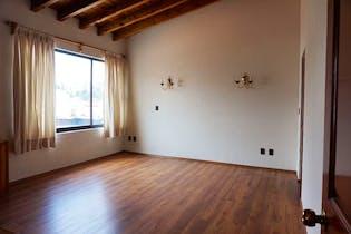 Casa en venta en Tarango, 360mt de tres niveles